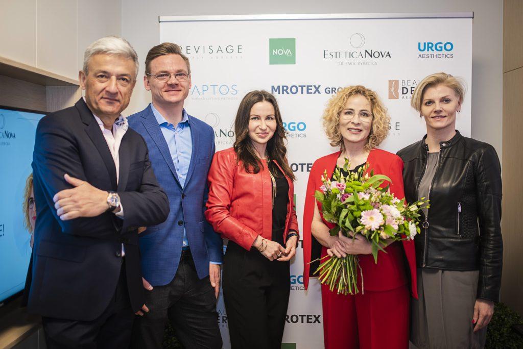 Andrzej Chmielewski, Marcin Piwiński, Agnieszka Majewska (Nova Group), dr Ewa Rybicka (Estetica Nova), Renata Frączek (Aptos Polska)